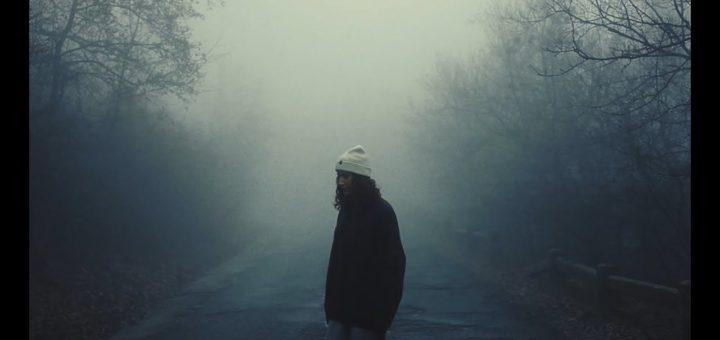 EDITKA - Fényévekre (Official Music Video)