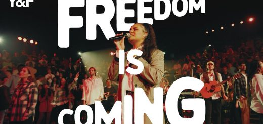 Freedom Is Coming (Official Live Video) - Hillsong Young & Free